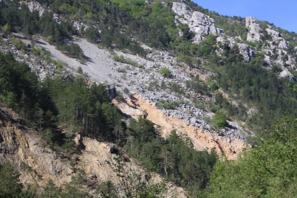 Traversée de l'Estéron, réparation de la conduite d'eau