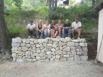 Formation restauration mur en pierres sèches au Prignolet